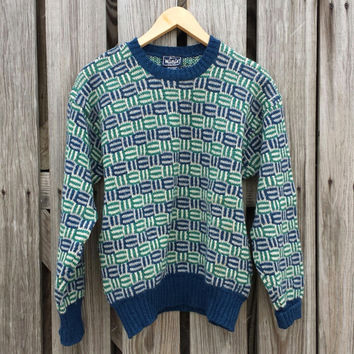 Vintage 1980s Women's Sweater - By Woolrich - Made in IRELAND - SZ M/L