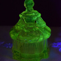 Vaseline Victorian Lady Powder Box Depression Uranium Glass 2 piece Trinket Box Morgantown Vintage Mosser Lady Dish Yellow Vaseline Glass