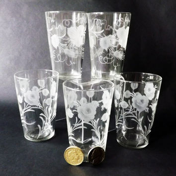 5 Vintage Shot Glasses, Small Whiskey Tumblers, Etched Barware, Antique Glassware, Vintage Small Shooters, Home Bar, Drinks Party
