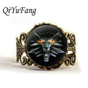 QiYuFang Wizard Witcher 3 Medallion Ring Pendant Handmade Jewelry Wolf Head Glass Rings Men Women