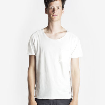 Basic Raw-Cut Elongated Short Sleeve Tee in Off-White