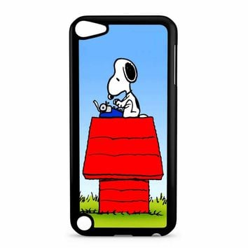 Snoopy Cute iPod Touch 5 Case