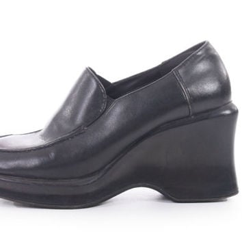90s Vintage Black Vegan Leather Platform Slip On Shoes Sculptural Chunky Heel Minimalist Goth Womens Size US 7.5 UK 5.5 EUR 38