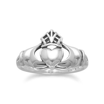 Oxidized Claddagh Ring