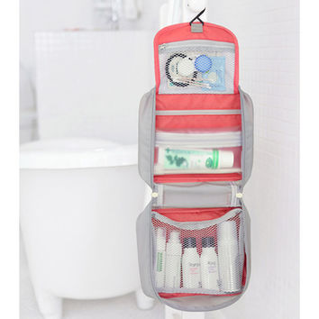 Iconic Travel hanging toiletries organizer bag