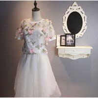 Short-Sleeve Two-Piece Organza Flower Dress