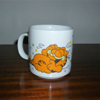 Vintage 1978 Laughing Garfield Coffee Mug by the United Feature Syndicate Inc / Retro Orange Cat Tea Mug / Made in Korea