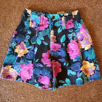 Size 5 Authentic High Waisted Floral Shorts