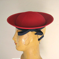 Vintage Red Hat 1930s Tilt Style Sailor with Brim Back Elastic and Navy Bow