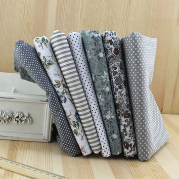 2016 Top Fashion Tissu Sewing 7pcs 100% Cotton Fabric Gray Flower Strip Diy Quilting Bundle For Patchwork Crafts Size 25 X 25cm