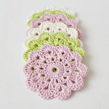 Soft cotton crochet coasters, set of 6 flower coasters in pastel colors, pink green eco friendly drink coasters, wedding gift