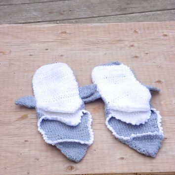 Crochet Shark Slipper, Foot Eating Socks, unisex slippers,  slippers, sock,  booties/ socks, Adult Men/Women's sizing, choose your color