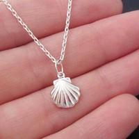 10PCS Seashell Necklace Sea Clam Shell Necklaces Nautical Ariel Mermaid Necklace Cute Conch Necklaces for Ocean Beach Party