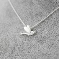 925 Sterling Silver cute fly bird necklace,a perfect gift !