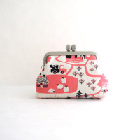 Coin Purse Frame Mini Pouch Mini Jewelry Case with Ring Pillow - Tiny Farm in Pink