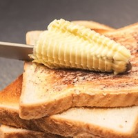SPREADTHAT! SELF-HEATING BUTTER KNIFE