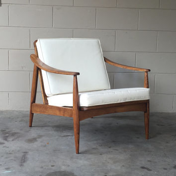 Mid century modern lounge chair – retro – mad men era