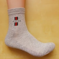 GUCCI youth trend in the tube socks cotton sports socks Four Seasons deodorant socks 8 pairs of mail Gray