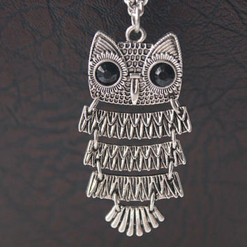Owl necklace,retro silver Owl with black eyes necklace---N021