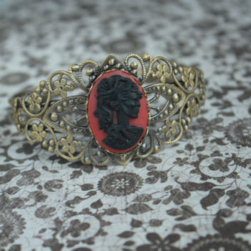 Red Black Cameo Bracelet, Victorian Skeleton, Gothic Skull Jewelry, Cabochon Skull, Gift For Her, Rockabilly Jewelry, Antique Bronze