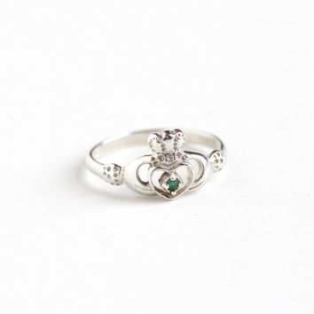 Estate Sterling Silver Emerald Claddagh Irish Ring - Modern Size 7 3/4 Hands Holding Heart Crown Symbolic Ireland Promise Friendship Jewelry