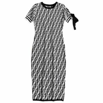 Fendi 2018 autumn and winter new women's temperament short-sleeved slim slimming letter printed knit dress White