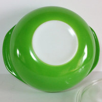 Pyrex Green Apple Covered Casserole #024 with lid quart 2Qt Spring Green Pyrex
