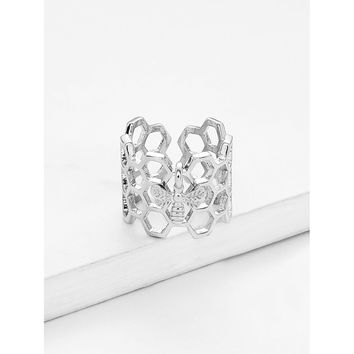 Silver Bee Detail Hollow Ring