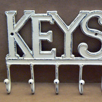 Keys Wall Hook Shabby Chic Distressed Cast Iron Creamy Off White Mudroom Entryway Home Decor Jewelry Hat Key Scarf Leash 5 Hooks