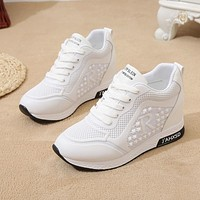 2018 Ladies Shoes White Platform Sneakers Wedges Women Casual Shoes Height Increasing Women Shoes Hidden Walking Footwear Black