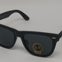 RAY BAN WAYFARER CLASSIC FLAT BLACK G-15 LENS ON SALE FOR A LIMITED TIME