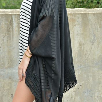 Made To Dream Kimono - Black