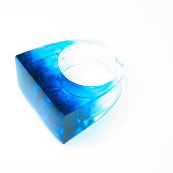 Resin ring. Blue. Turquoise. Modern jewelry. Cocktail ring. Chunky resin. wave, ombre, clear ring OOAK