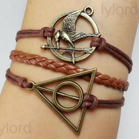 Hunger games bracelet / antique silver Mockingjay, Katniss's arrow charm / The Deathly Hallows Bracelet / Harry Potter Jewelry