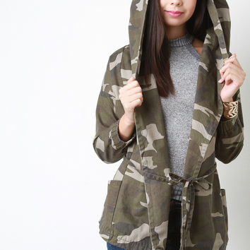 Twill Hooded Camo Drawstring Jacket in Camouflage
