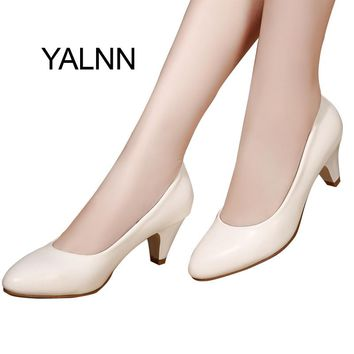 YALNN Classic Nature Women Shoes Leather 5cm Med Spike Heel High Quality Slip on Classic White Shoes Office Girls Pump Shoes