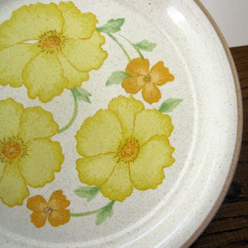 1970s Retro Hibiscus Yellow Salad Plates, Set of 8, Nitto Overtones 1606, Made in Japan