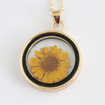 Sunflower glass charm gold necklace, boho flower necklace, festival necklace, sunflower necklace, necklace gift, gift for her