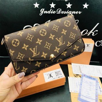 """Louis Vutitton"" Retro Classic Logo Print Single Shoulder Messenger Bag Women Fashion Chain Small Square Bag Set Three-Piece"