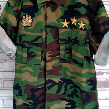 Vintage Studded Military Camouflage Jacket With Patches / Camo Army Jacket Size: L
