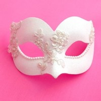 Ivory White Venetian Pearl Lace Masquerade Mask - Masque Boutique - Masque Boutique