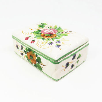 Ceramic trinket box jewelry box - Porcelain box with flowers - Cottage chic - Mothers Day gift - Bridal-shower favor wedding favor