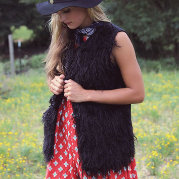 Vest Dressed Black Shaggy Fur Vest With Contrast Knit Back