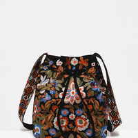 EMBROIDERED BUCKET BAG