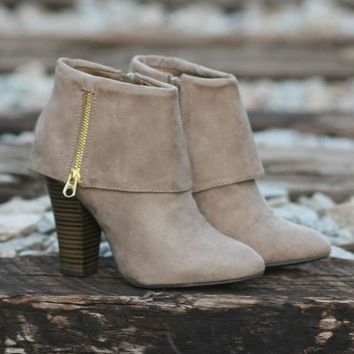 City Slicker Booties: Taupe