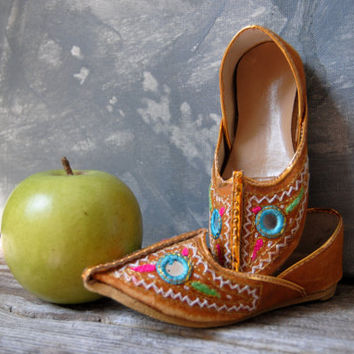 Boho Slippers / Vintage Childs Slippers / Boho Home Decor / Bollywood Decor