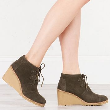 TOMS DESERT WEDGE BOOTIES OLIVE - What's New