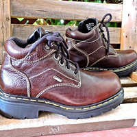 Vintage Dr Martens UK 8 Mens 7.5 Womens 10 /  made in England / 90s Docs /  Air cushioned / brown leather / lace up ankle boots / Grunge
