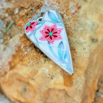 Scarlett  - OOAK Mosaic Art Pendant, Wearable Art, Mosaic Jewelry, Floral Pendant, Broken China Pendant, Broken China Mosaic