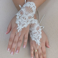 Free ship, Ivory  lace Wedding gloves, silver beads embroidered  bridal gloves, fingerless lace gloves,handmade